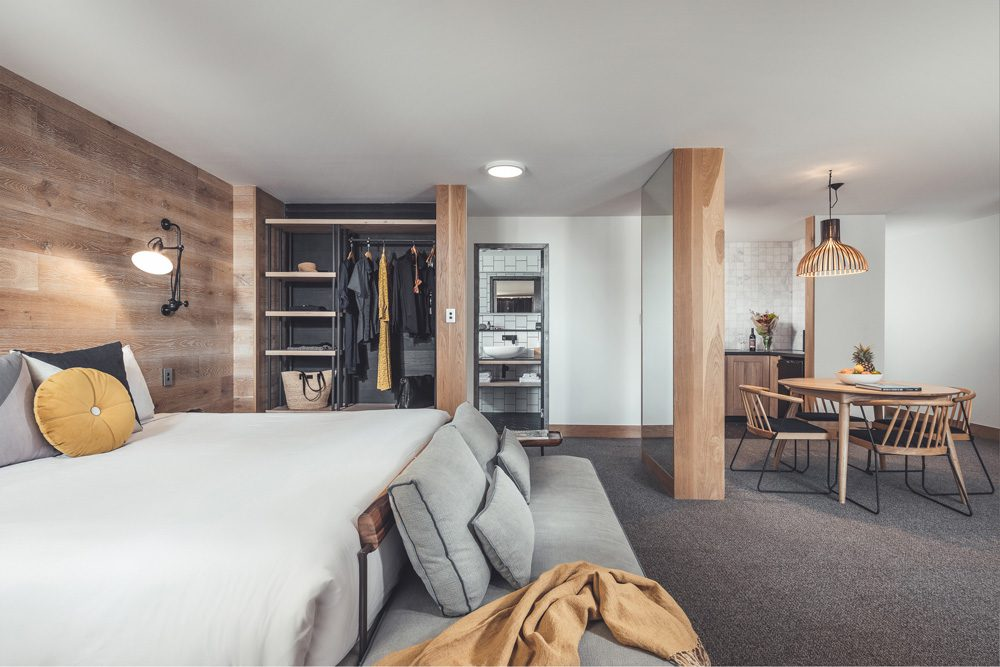 The Island Gold Coast Boutique Hotel Surfers Paradise King Suite